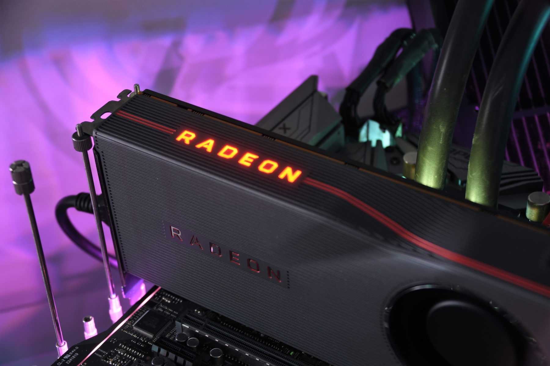 Review AMD Radeon RX 5700 XT and Radeon RX 5700 – Specs | Testing | Overclocking